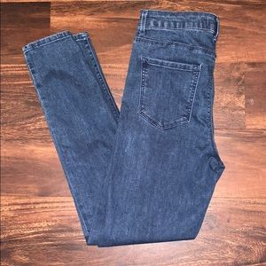 Forever 21 Skinny Jeans in Size 27